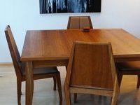 Eettafel met stoelen door Frida van der Poel